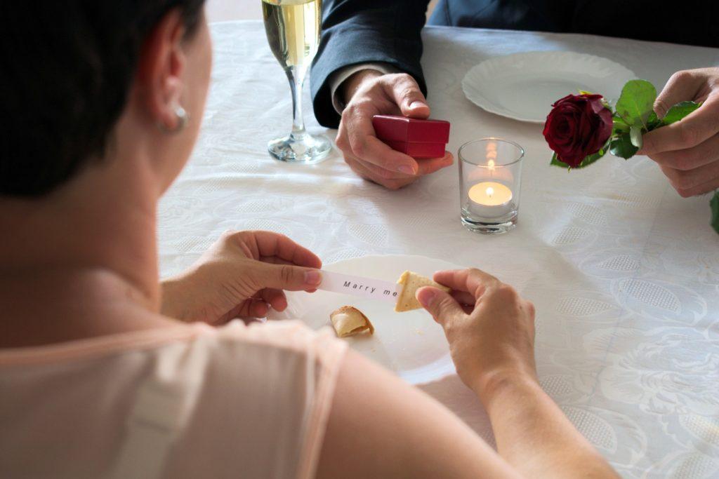 Ein Heiratsantrag im Keks